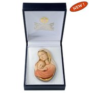 Gift case with bust Madonna protection