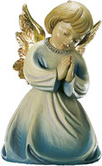 Kneeling angel praying